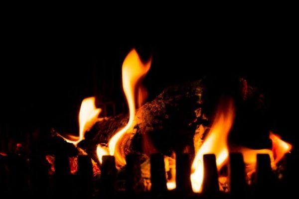 piec - ogrzewanie na węgiel czy drewno - kominek
